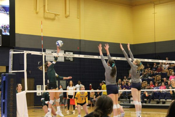 BHSU Volleyball sweeps the SD School of Mines Tuesday night in Rapid City.