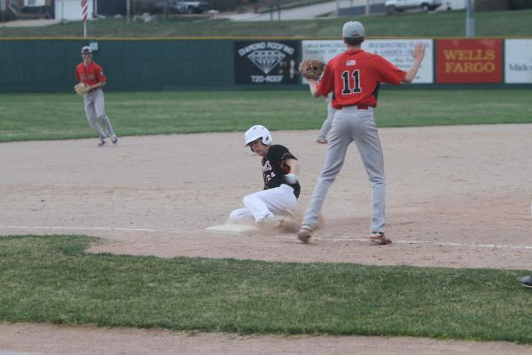Colton Cruikshank slides during play against Gillette