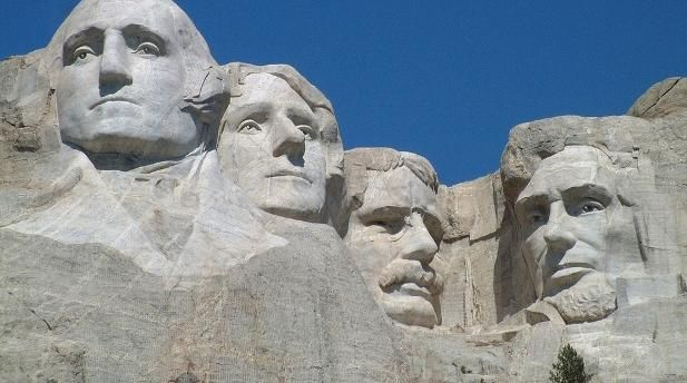 Woman arrested for climbing Mt Rushmore